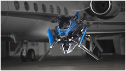 宝马浮空摩托惊艳亮相 引爆矢量发动机概念股